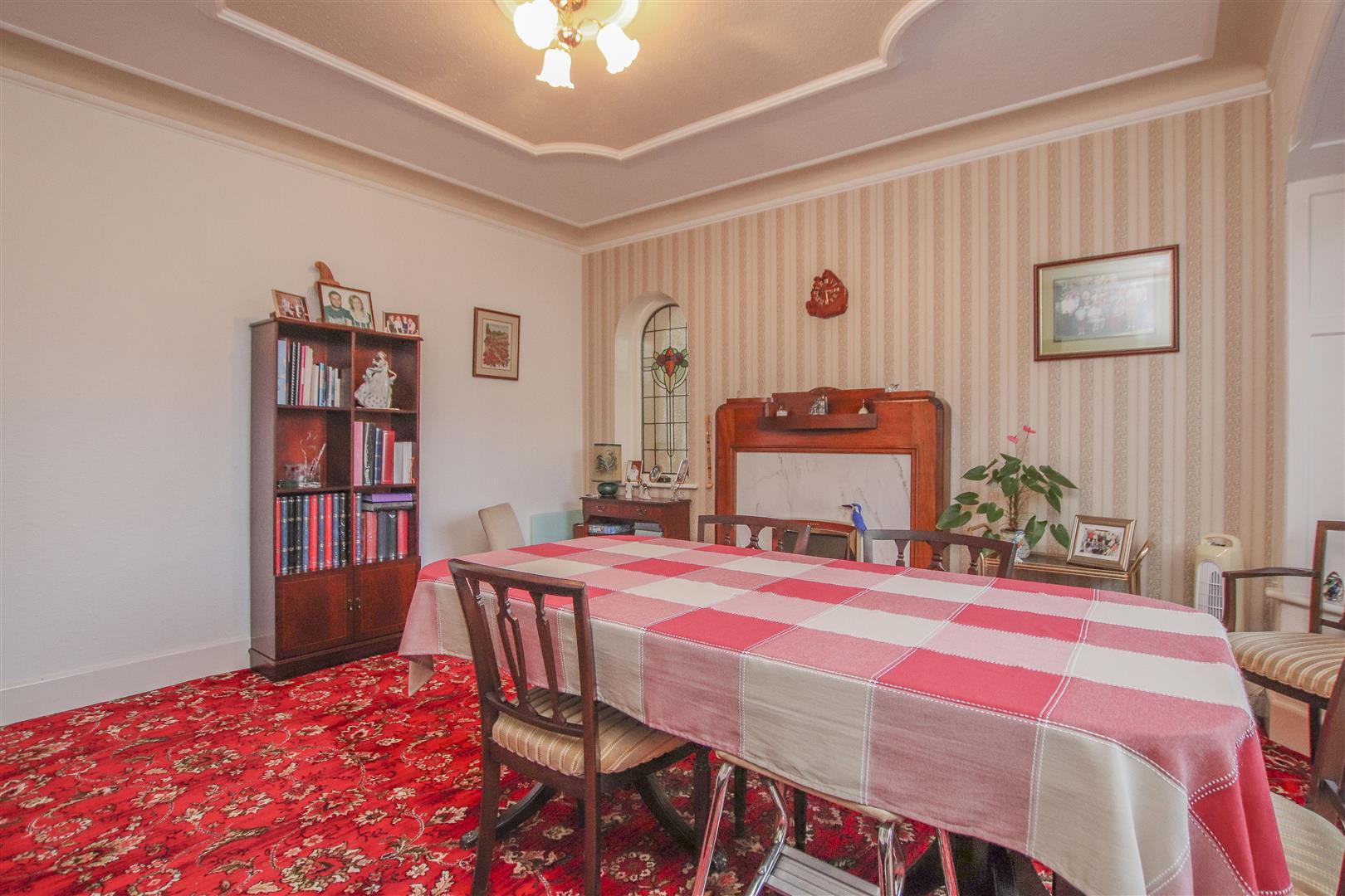 4 Bedroom Detached House For Sale - 22.JPG